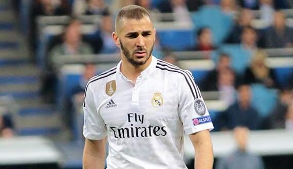 Real Madrid oficializa renovação de Benzema até 2021