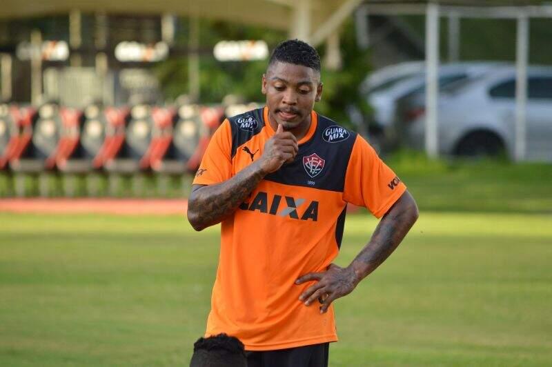Foto  Francisco Galvão   Divulgação   EC Vitória Atacante Marinho era  disputado por diversos clubes brasileiros ad1ef2f022b5f
