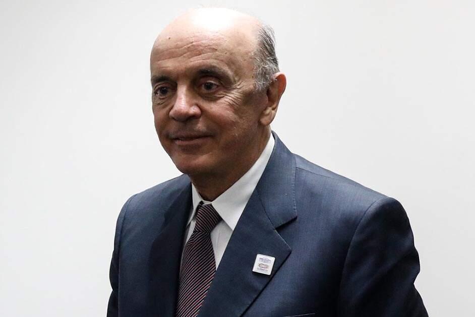 PSDB declara 'absoluta confiança' em Serra, que fala em 'estranheza e indignação'