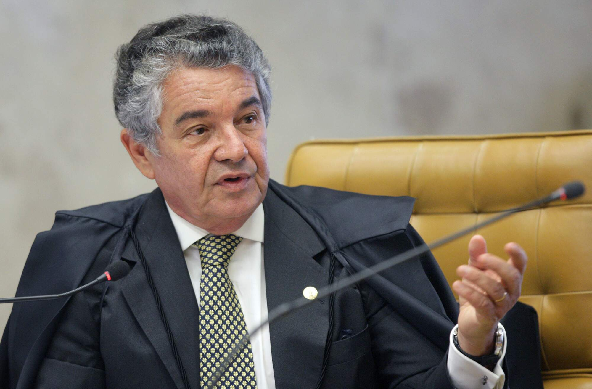 Ministro do STF derruba afastamento de Aécio Neves no Senado