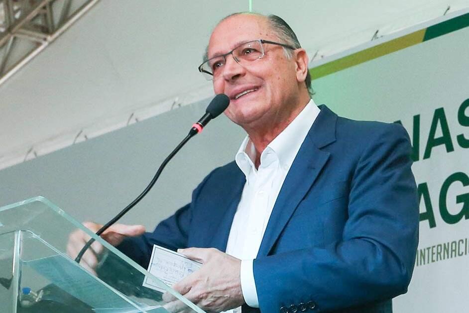 Alckmin diz que candidatura é decisão coletiva 'para o fim deste ano'