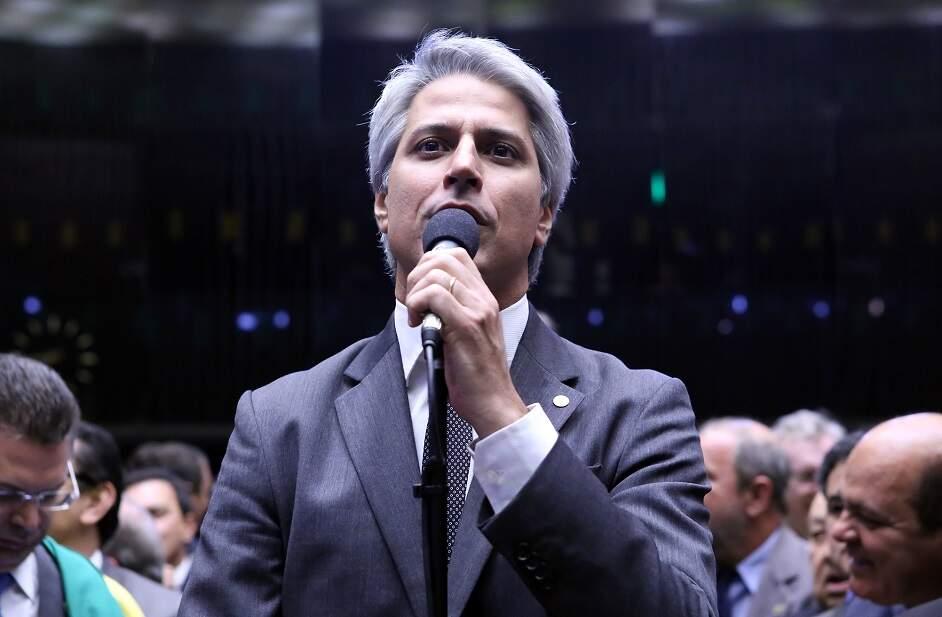 Para barrar denúncia, Temer recebe 42 deputados em menos de 11 horas