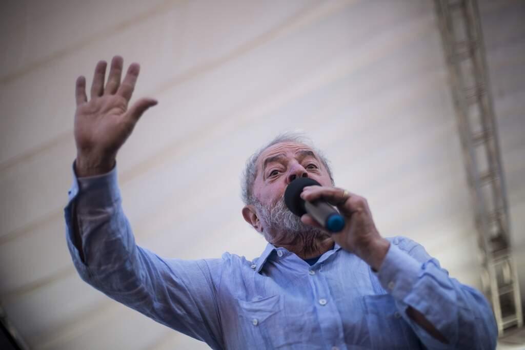 Moro autoriza provas da Odebrecht em investigação sobre palestras de Lula