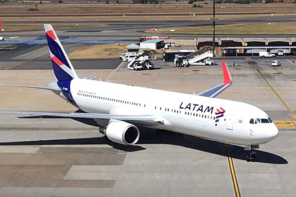 Frente à pandemia, Azul e Latam fecham acordo para compartilhamento de voos