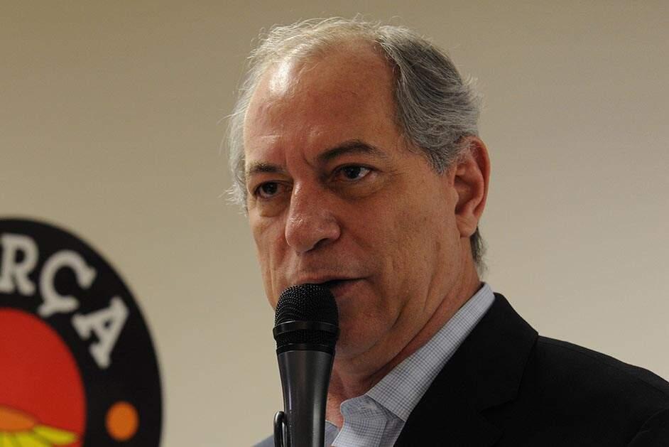 Brasil está no seu pior momento fiscal da sua história, diz Ciro Gomes