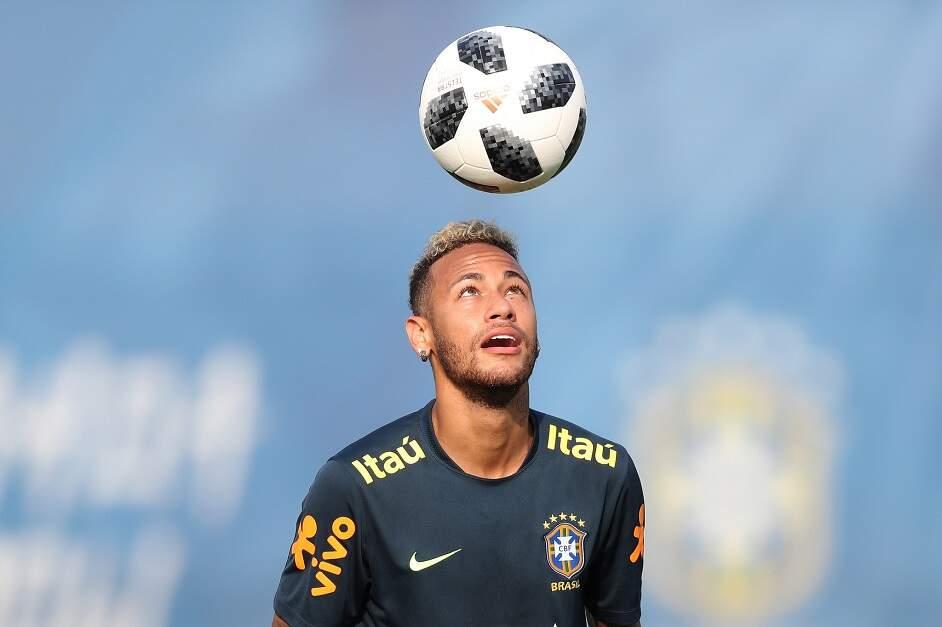 ccd9a6f686 ... Neymar conseguiu um lugar na lista dos jogadores que concorrem a uma  vaga na seleção dos melhores do planeta