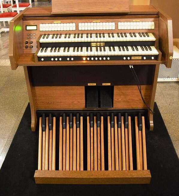 494d01f769f Foto  Divulgação Órgão modelo Vivace 30 será utilizado pelo Coro Monsenhor  Nazareno Magi e pelas equipes de canto da igreja em todas as missas