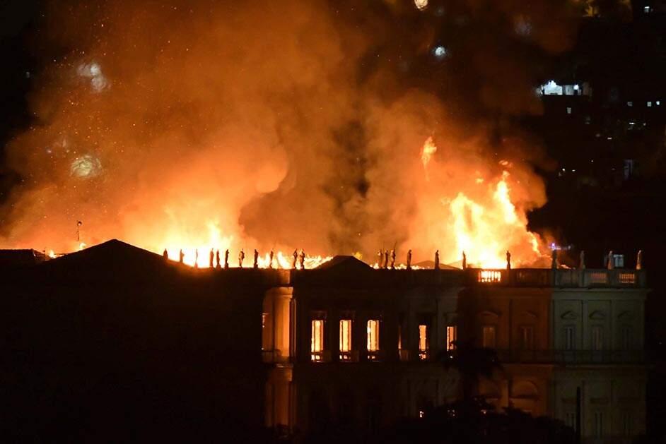 PF não vê omissão de gestores e descarta crime no incêndio do Museu Nacional
