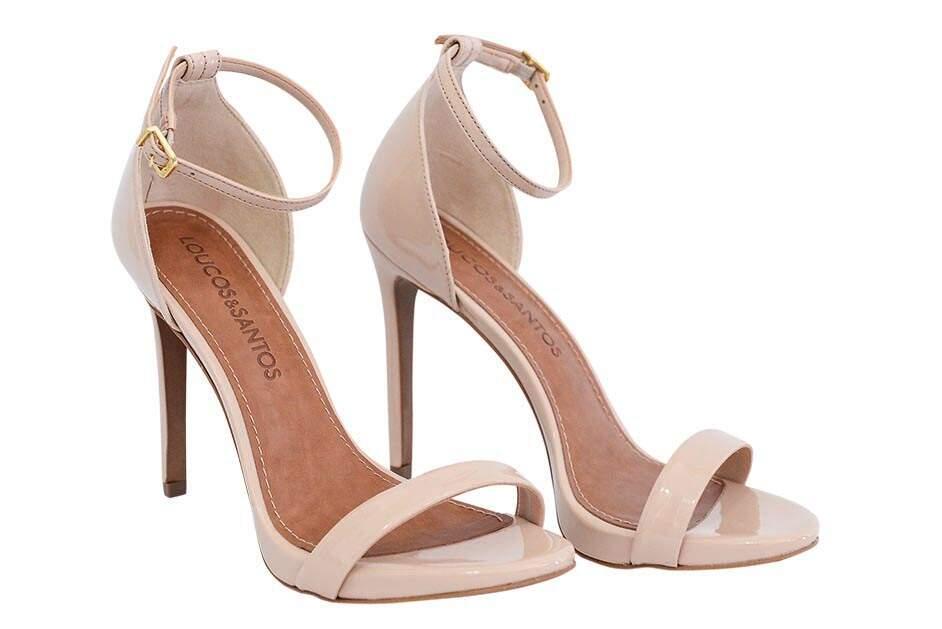 a7473ea91 ... Os clássicos são a sugestão para as noivas que fazem o estilo mais  básico [Keila Campos Calçados] ...