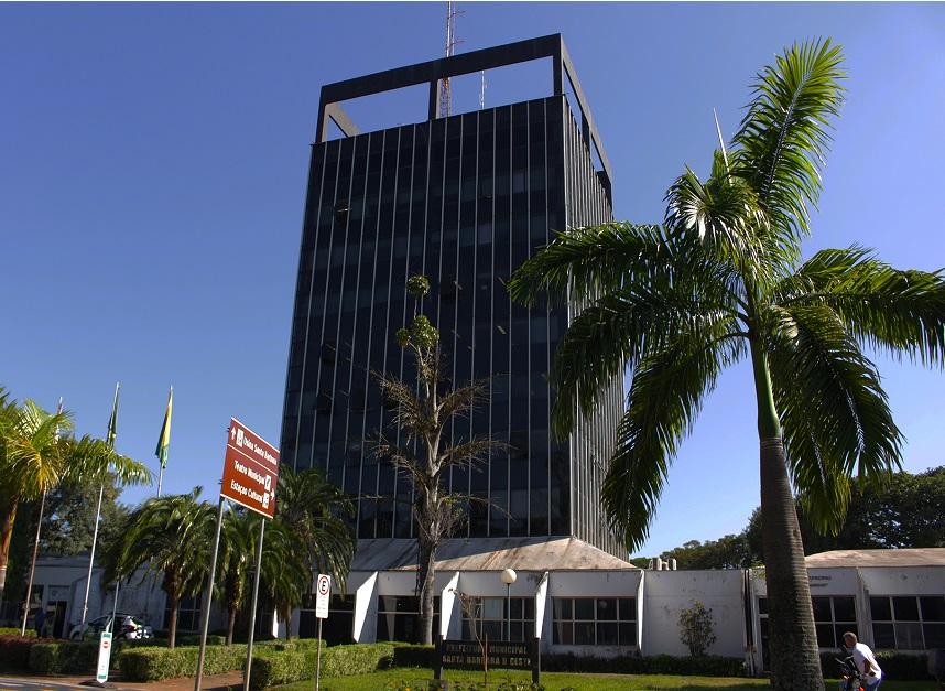 Santa Bárbara suspende volta presencial às aulas após regressão no Plano SP