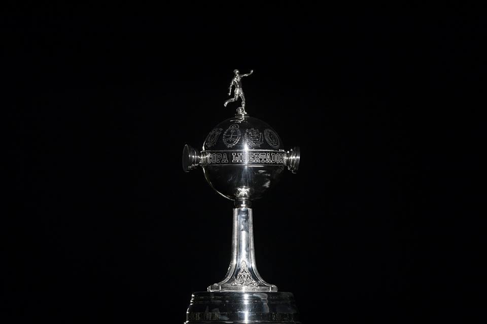 Conmebol anuncia que vai pagar voos para times da Libertadores e da Sul-Americana