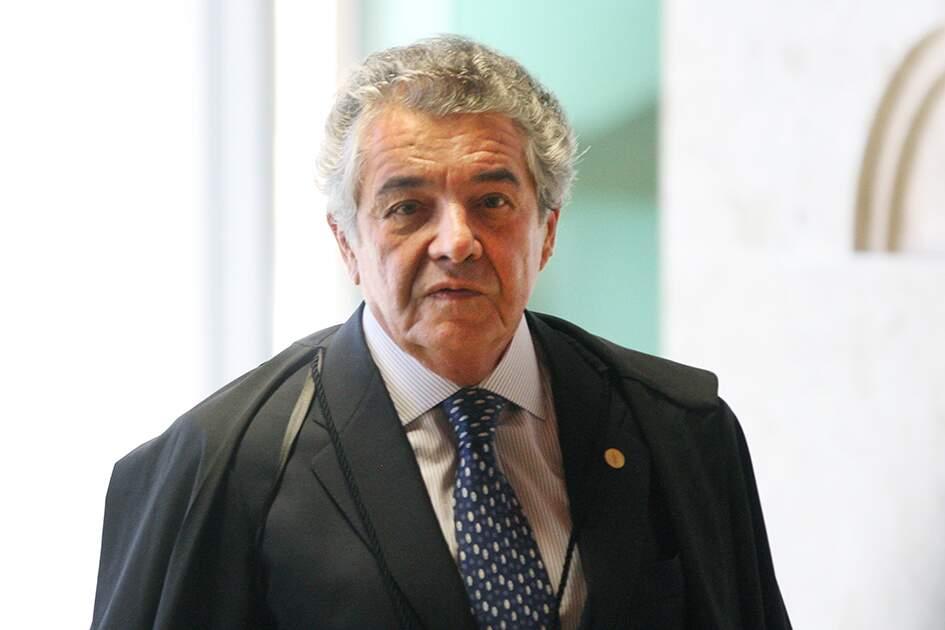 'Perplexo', ministro Marco Aurélio pede saída de Weintraub