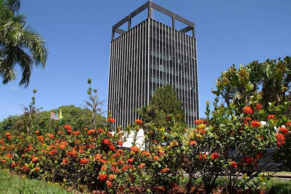 SB mantém rede municipal com ensino remoto; privadas e estaduais podem retornar