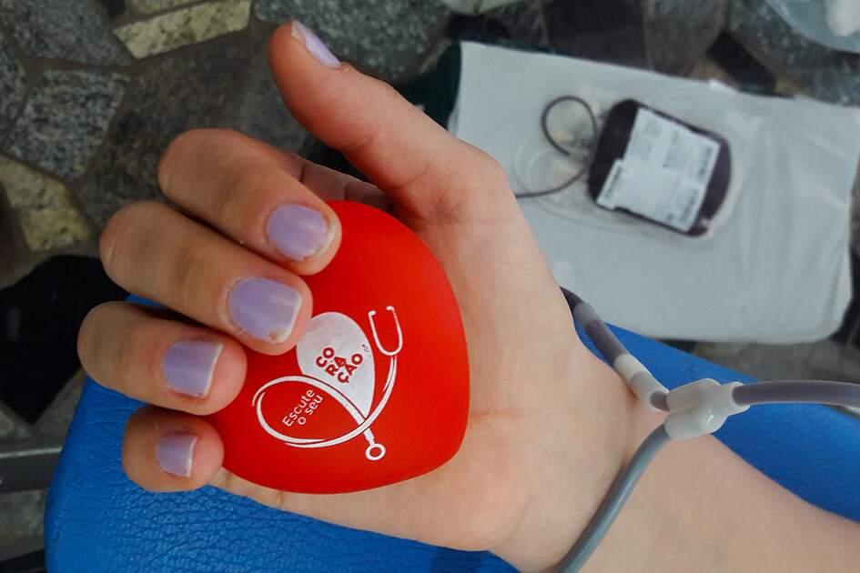 Anvisa contraria STF e mantém veto a doação de sangue por homens gays