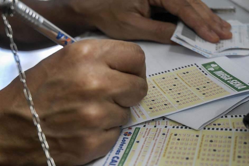 Mega-Sena pode pagar neste sábado prêmio de R$ 3 milhões
