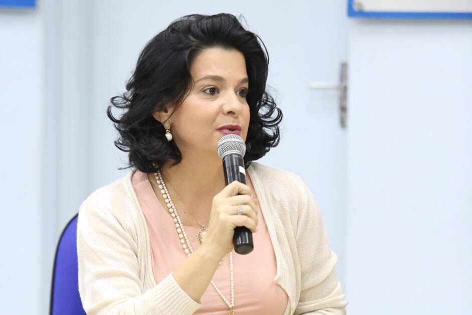 Sessão pode cassar vereadora Carol Moura hoje; acompanhe