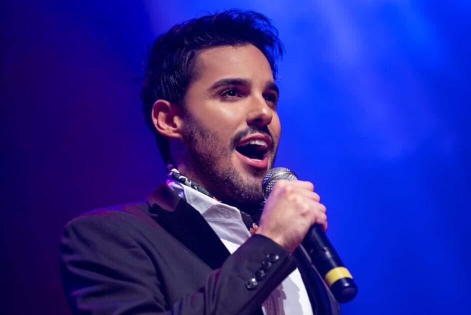 Tenor César Camargo fará lives gratuitas de aulas de canto