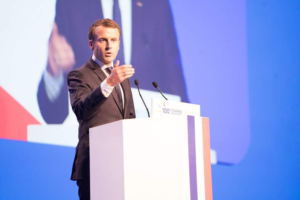 França: saúde de Macron é 'estável', com sintomas de Covid-19