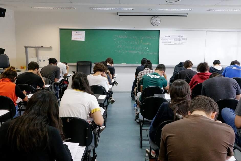 Adiamento do Enem embaralha todo o calendário universitário de 2021