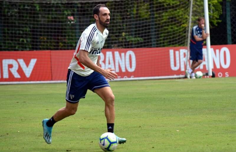 São Paulo decide não renovar o contrato do lateral espanhol Juanfran