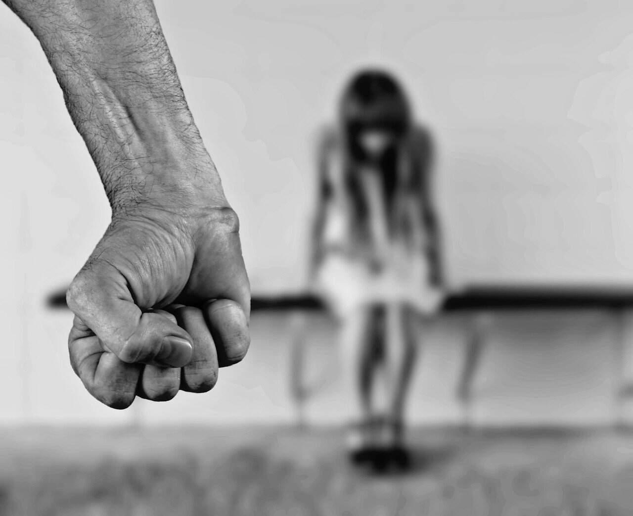 Veja como denunciar casos de assédio e abuso sexual