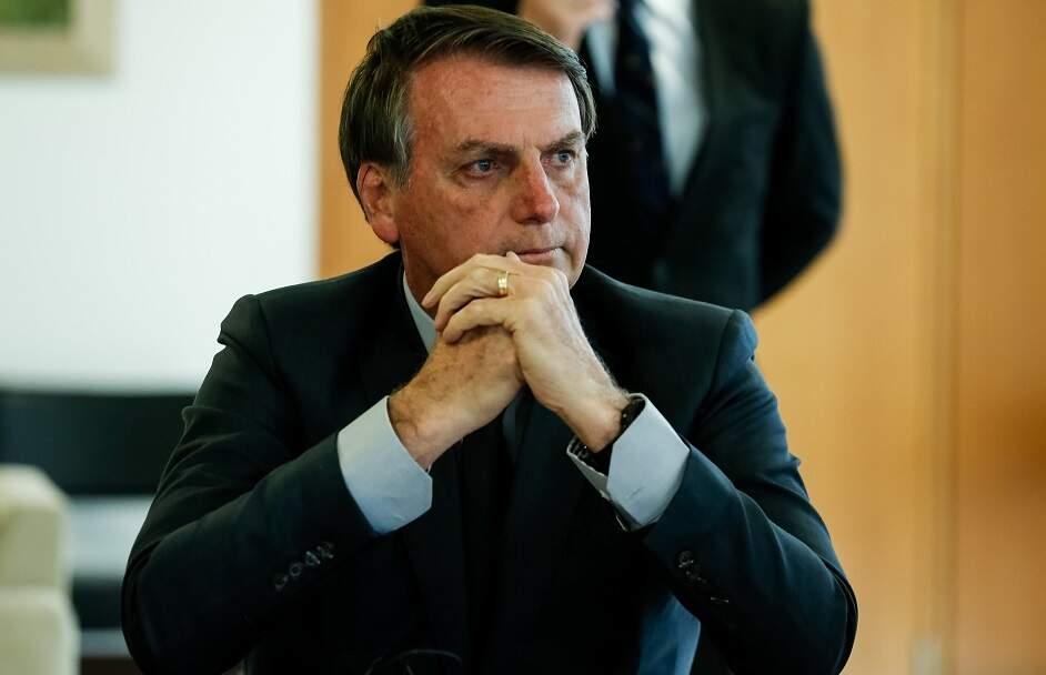 Bolsonaro volta a criticar isolamento social: 'Não dá para continuar assim'