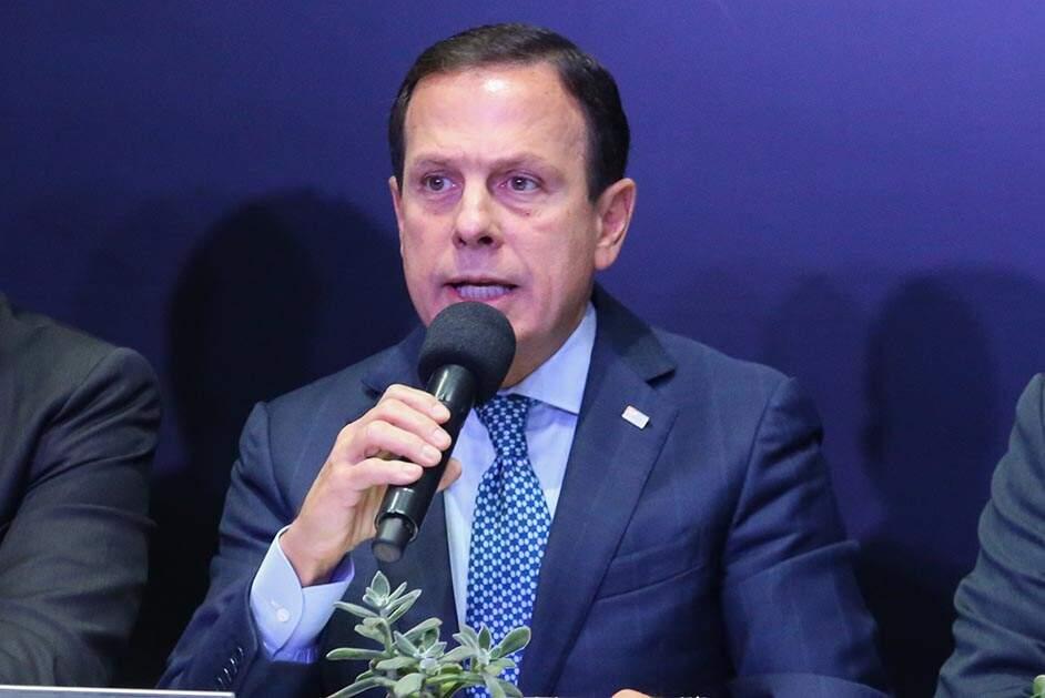 Após reunião, Doria evita críticas ao governo e elogia ministro interino