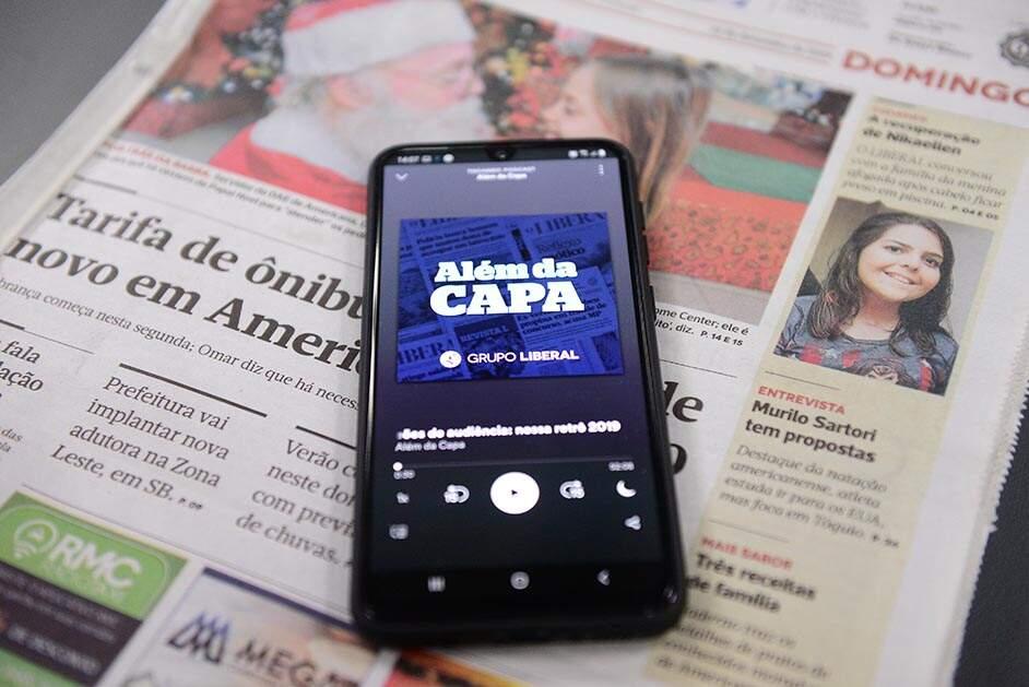 Podcast 'Além da Capa' completa um ano no ar