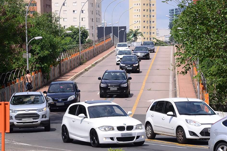 Prefeitura de Americana vai retomar mão dupla no Viaduto Amadeu Elias