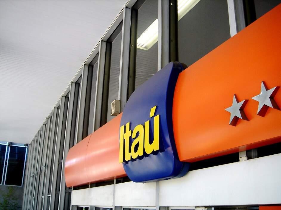 Sindicato critica demissões de bancários na região