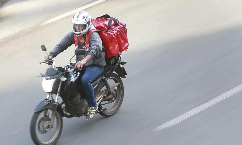 Governo de SP lança programa para capacitar motofretistas