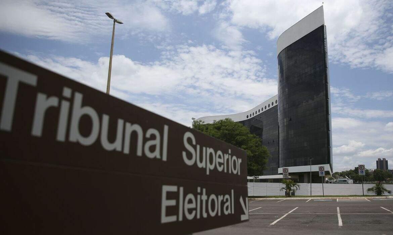 Campanha eleitoral tem baixa ocorrência de fake news, afirma Barroso