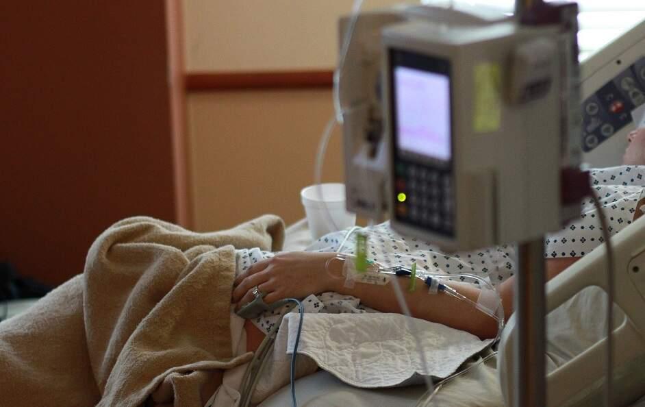 SP começa a distribuir 407,5 mil kits de intubação doados por empresas