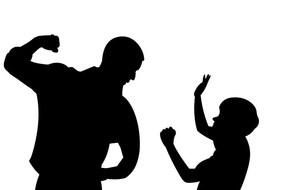 País tem dez casos de agressão por hora menor de idade