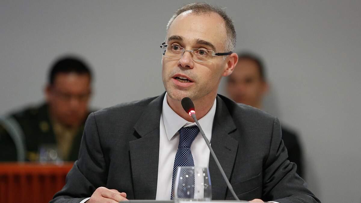 STF dá 48 horas para Ministério da Justiça apresentar informações sobre dossiê