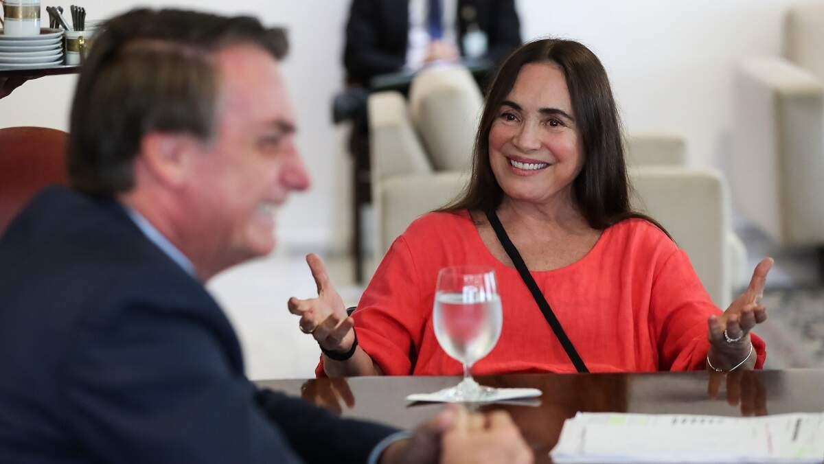 Há duas outras pessoas entrando na Cultura, que é muito 'aparelhada', diz Bolsonaro