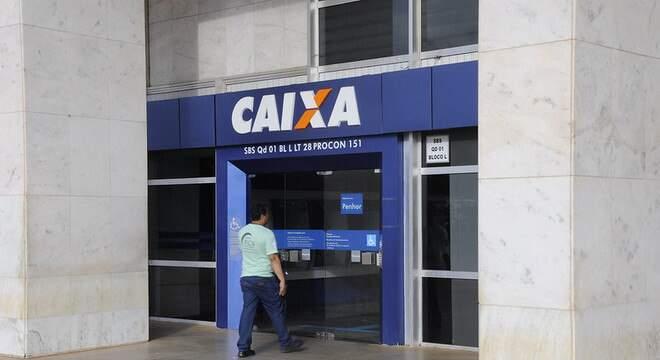 Por benefício, Caixa abre dez agências da região neste sábado