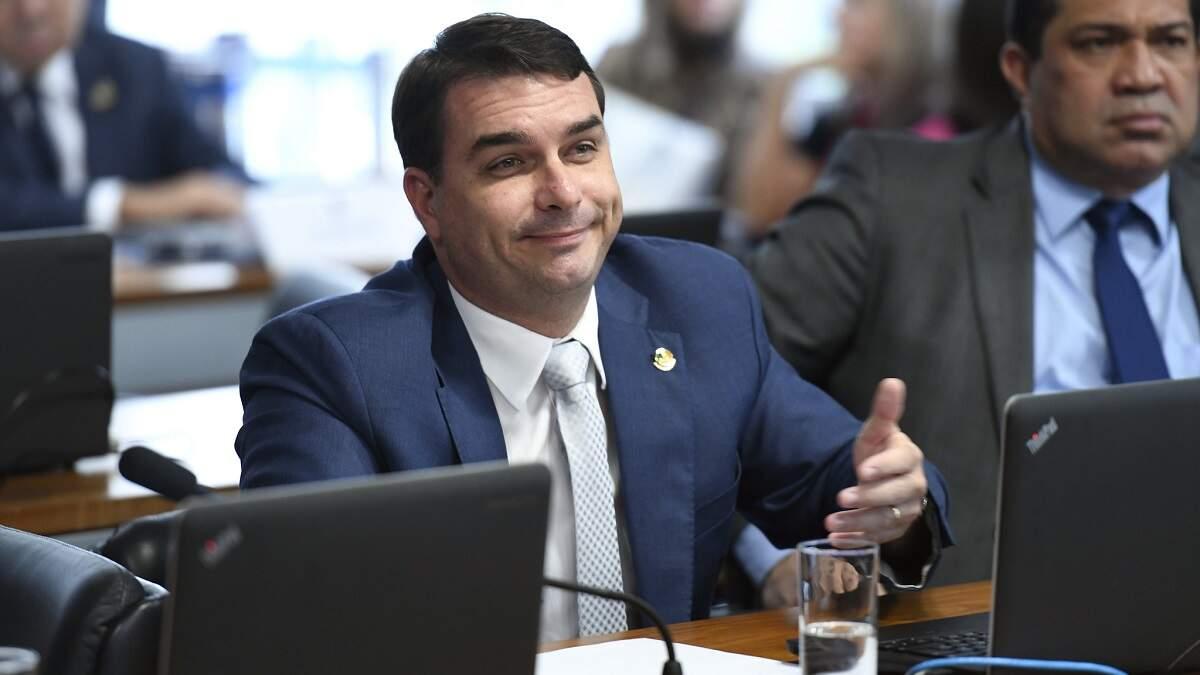 MPF prorroga inquérito sobre vazamento da Furna da Onça para Flávio Bolsonaro