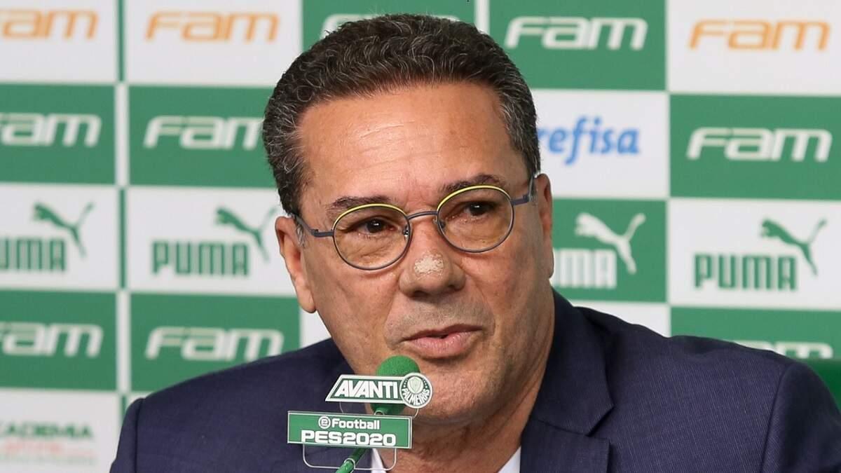 Técnico Vanderlei Luxemburgo, do Palmeiras, é diagnosticado com Covid-19