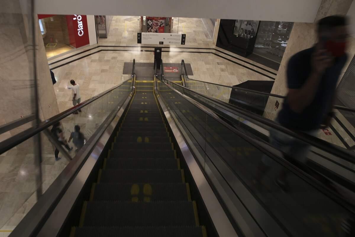 Shoppings só poderão abrir por 4 horas e com 20% da capacidade em São Paulo