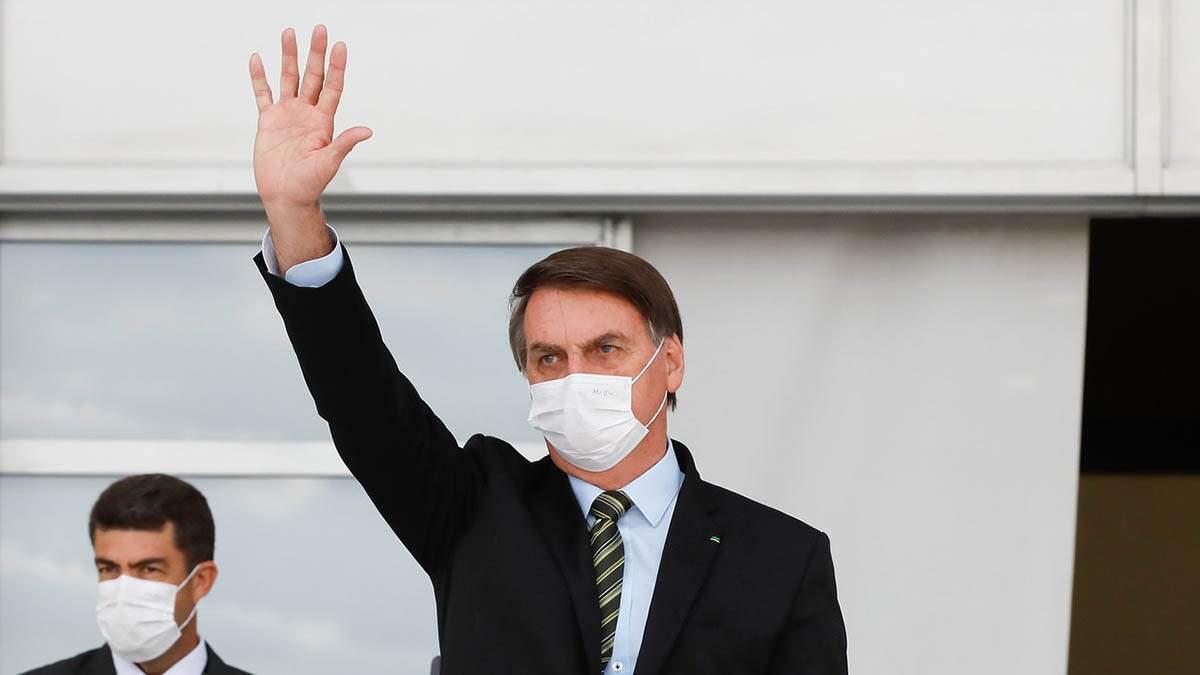 Bolsonaro diz que pode ter contraído novo coronavírus '20 vezes'