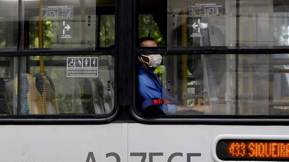 Câmara aprova texto-base de projeto que prevê uso obrigatório de máscaras
