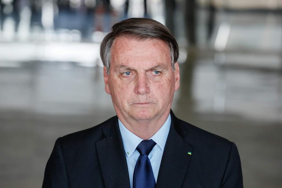 Bolsonaro tem alta após cirurgia para retirar pedra na bexiga