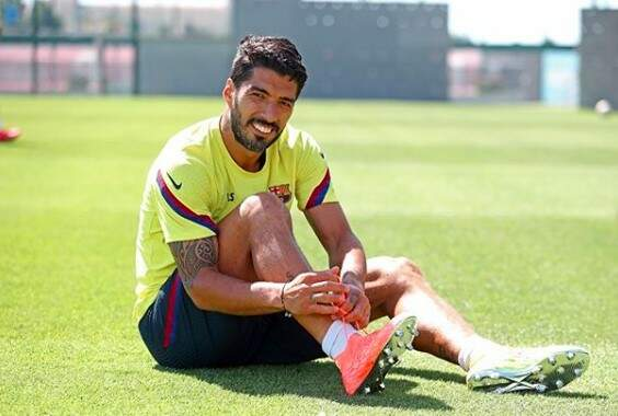 Suárez se recupera de lesão e pode reforçar Barcelona no reinício do Espanhol