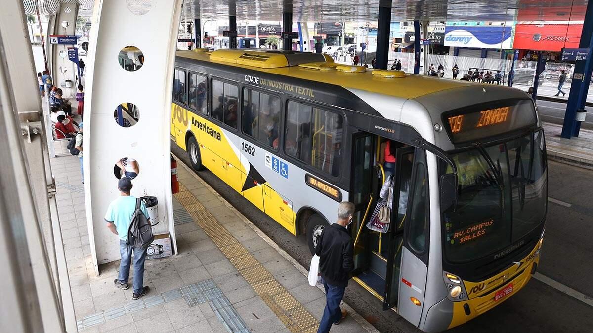 Projeto para proibir passageiros em pé só deve valer em próxima pandemia