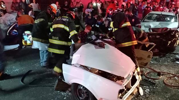 Corpo de Bombeiros resgata oito adolescentes após acidente em Sumaré