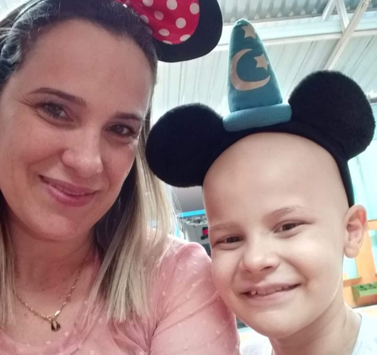 Dificuldades na quarentena são 'comuns' a familiares de crianças com câncer