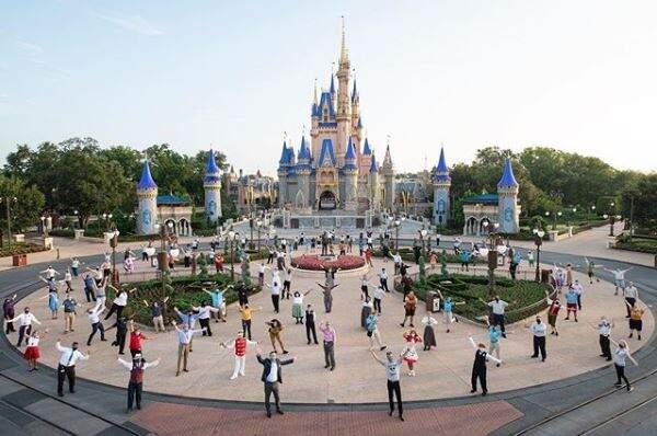 Disney World reabrirá em meio a aumento de casos do novo coronavírus na Flórida
