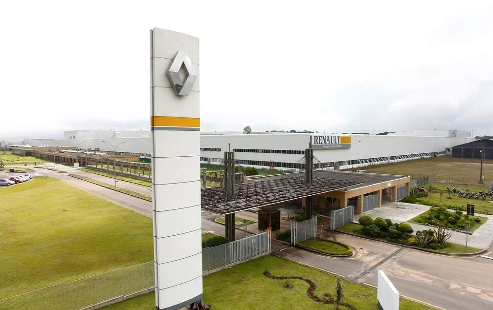 Justiça determina que Renault reintegre 747 demitidos em julho
