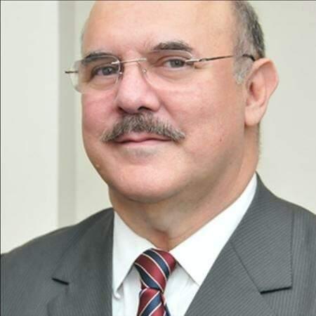Bolsonaro confirma pelo Facebook indicação de Milton Ribeiro para MEC
